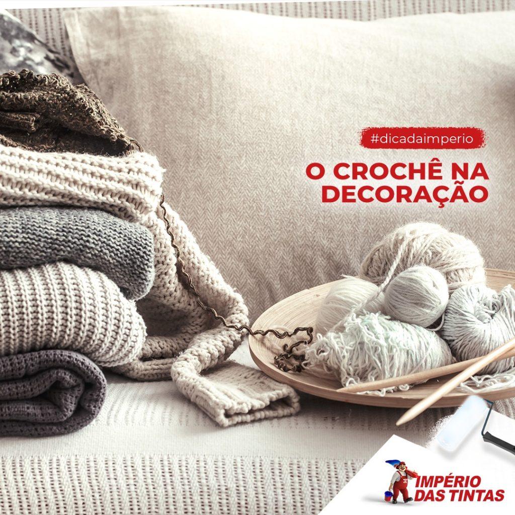 O crochê é uma técnica atemporal, usada desde o século 16 tanto na moda quanto na decoração